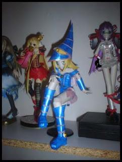 Yu-Gi-Oh! Dark Magician Girl Papercraft