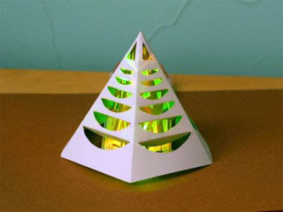 Light-Up Christmas Tree Papercraft