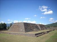 Pirámides tarascas en Ihuatzio