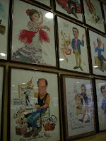 caricaturas de Jordi Macabich en el Bar Serra de l'Hospi, foto BlogHospitalet