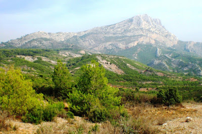 Mont Sainte Victoire. photo