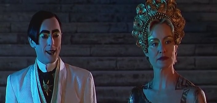 julie taymors titus andronicus essay Shakespeare's titus andronicus , lucian ghita looks at how jane howell's 1985 bbc production of shakespeare's titus andronicus and julie taymor's film 1999 adaptation titus re-fashion the im- age of young lucius.