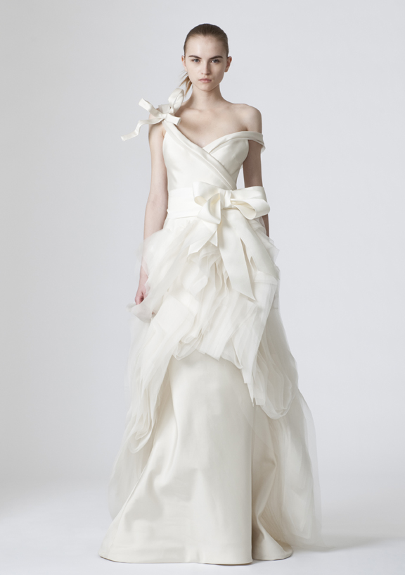 vera wang wedding dresses 2010. Vera Wang Wedding Dresses
