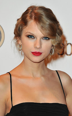 Taylor Swift Hairstyle Performanceclass=