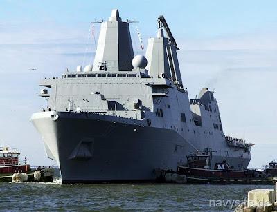 les navires de guerres(present&futur) - Page 2 USS+SAN+ANTONIO+17