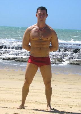 swimpixx blog for sexy speedos, free pics of speedo men, hot men in speedos and swimwear. Brazilian homens nos sungas abraco sunga<br />