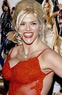 Former playmate Anna Nicole Smith dead at 39