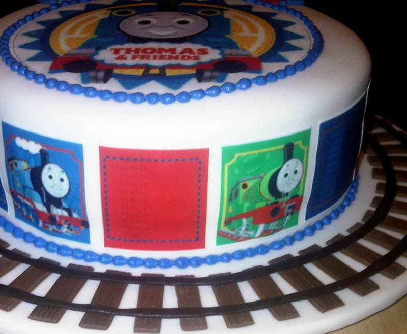 MySugarArt blog: A simple Thomas the Tank Engine cake