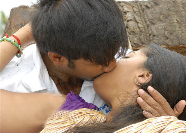 Anushka kissing lip to lip