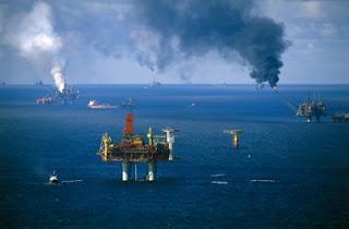 Plataforma petrolífera  de acero y hormigón.