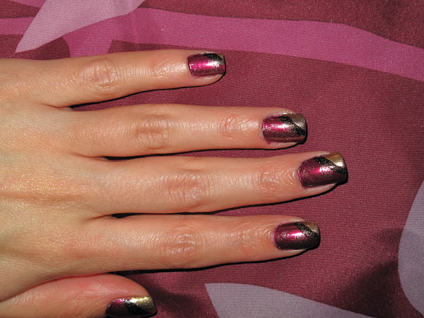 nail design purple and gold