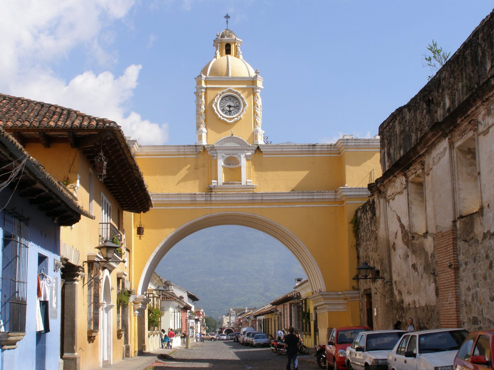 arch of santa catalina, la antigua guatemala