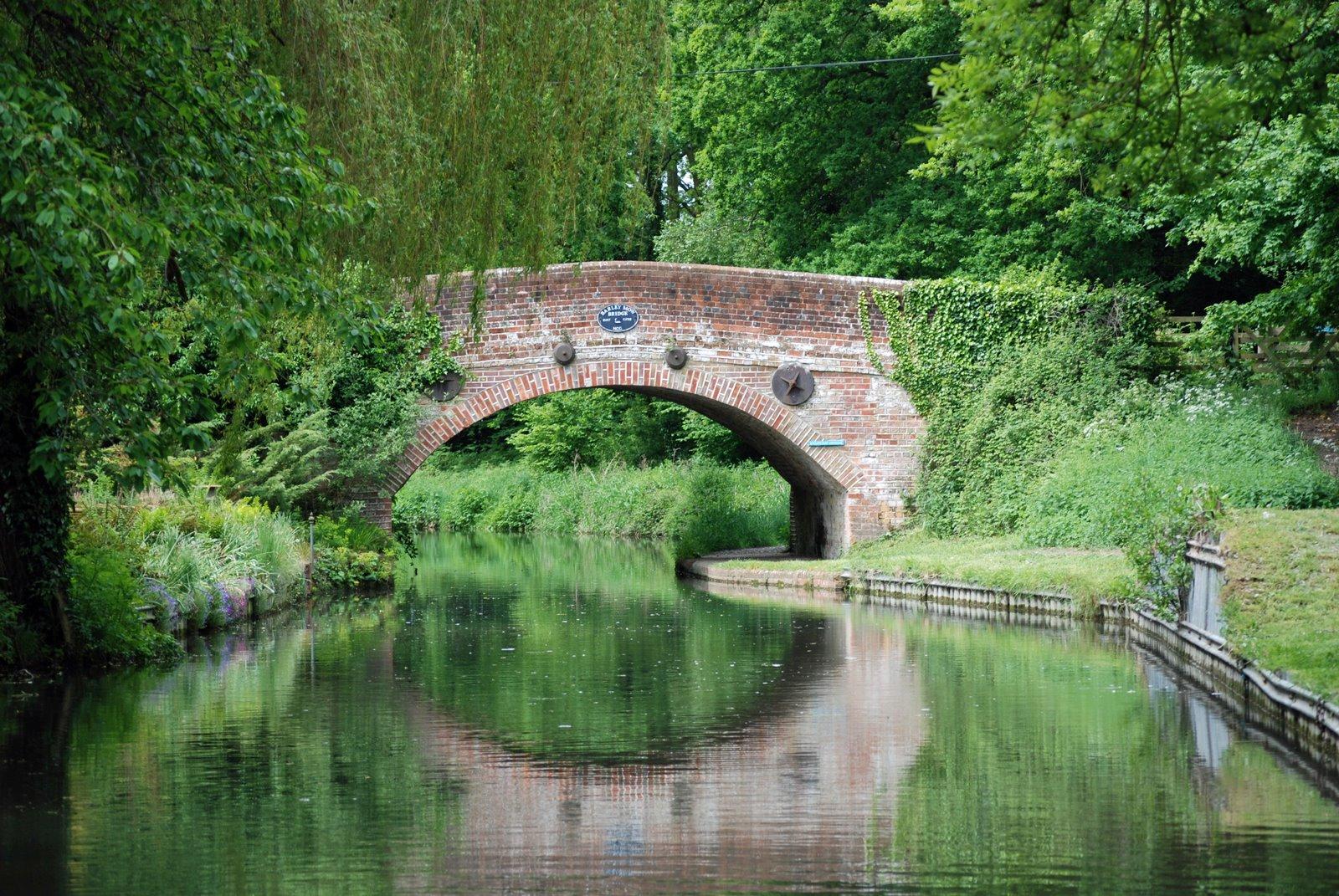 barley mow bridge, basingstoke canal, hampshire