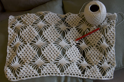 Free Anchor Crochet Pattern Doilies Table Runner : CROCHETED TABLE RUNNER PATTERN - Crochet and Knitting Patterns