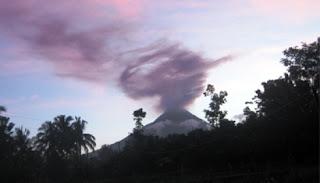 foto awan merapi petruk