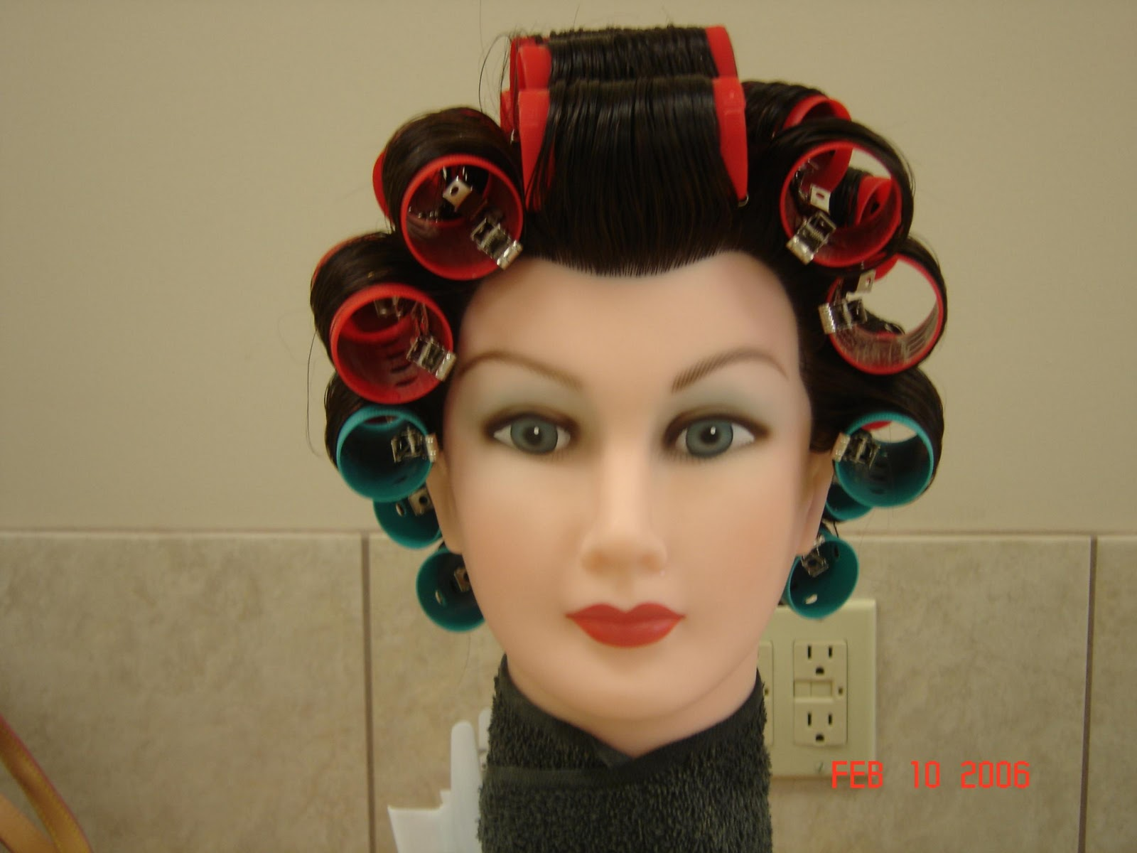 Roller Set in Hair Salon http://toya-j-intrest.blogspot.com/2010/12/little-extra-bounce-to-my-hair.html