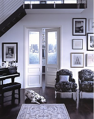 [sitting+area_white+black+dog+old+doors+wall+art+grouping+piano_Simon+Bevan+photographer_desire+to+inspire+nov08.png]