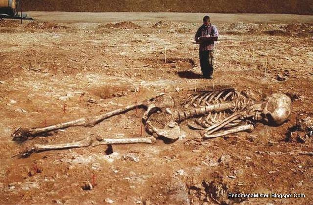 Temuan Arkeologi Fosil Kerangka Manusia Raksasa di Yunani