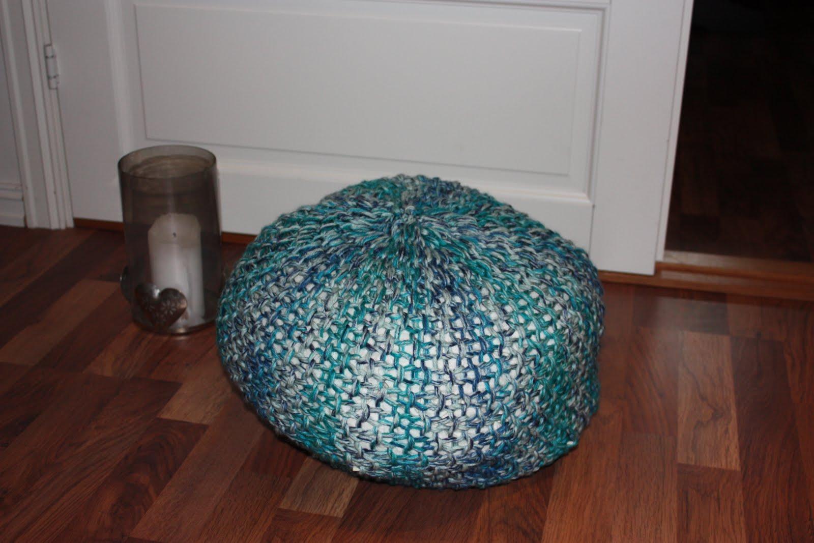 zz mbel puff strikket amazing jeg la opp masker og strikket med. Black Bedroom Furniture Sets. Home Design Ideas