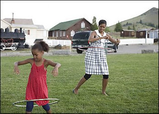 Michelle Obama hula hoop