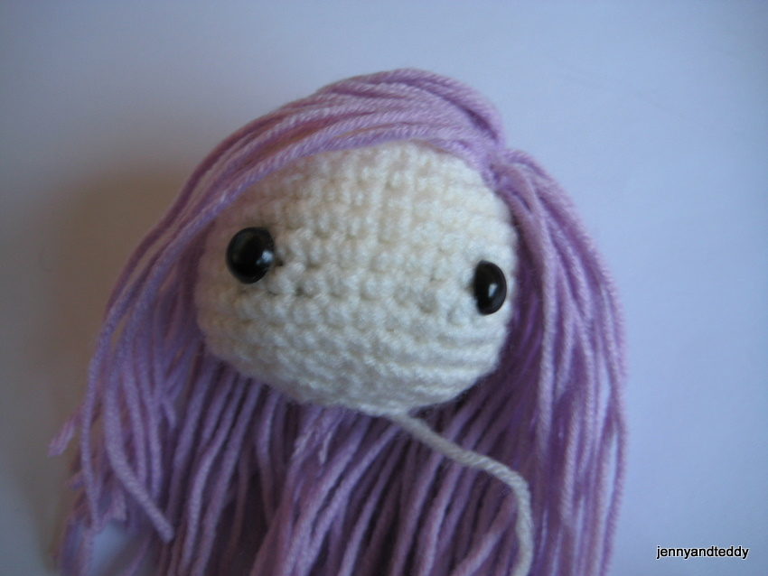Hair On Amigurumi : How to attach hair on amigurumi dolls.