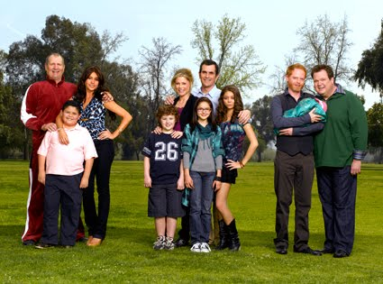 modern family cast Modern Family 1ª Temporada  RMVB  Legendado