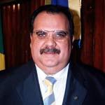 http://1.bp.blogspot.com/_4h97bFfBD7o/R1PlrkpNMwI/AAAAAAAAAB4/I1MibhqWzKg/s320/romulo_gouveia.jpg