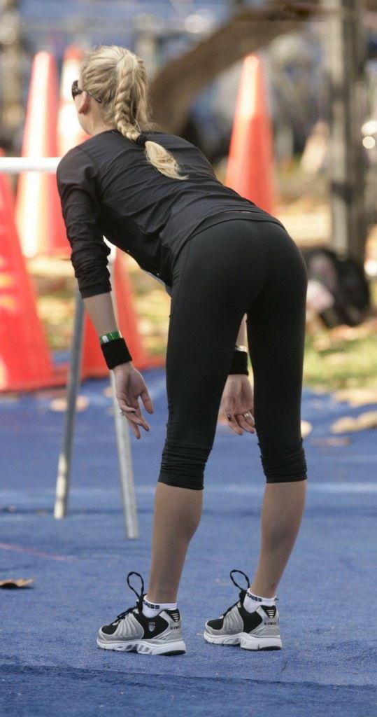 spandex girls sporty woman in spandex leggings