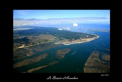 Vue aérienne du Bassin d'Arcachon - Parcs à huitres et dune du pyla