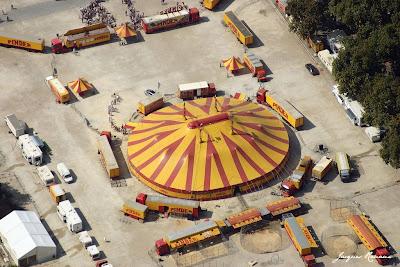 Photo aerienne du chapiteau deu cirque Pinder à Bordeaux