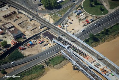 Photo aérienne passerelle Eiffel et nouveau pont SNCF