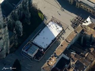 Photo aérienne de la Patinoire en plein aire Place Pey Berland