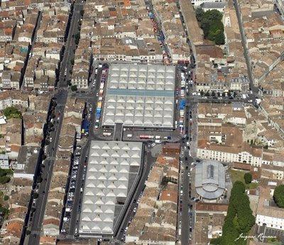 Vue aérienne du Marché des Capucins à Bordeaux