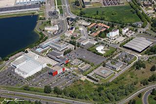 Vue aérienne du Casino et du Palis des congrés de Bordeaux Lac