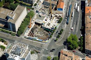 Vue aérienne du chantier de la future résidence le square Pey Berland, construite par la société Bouygues immobilier