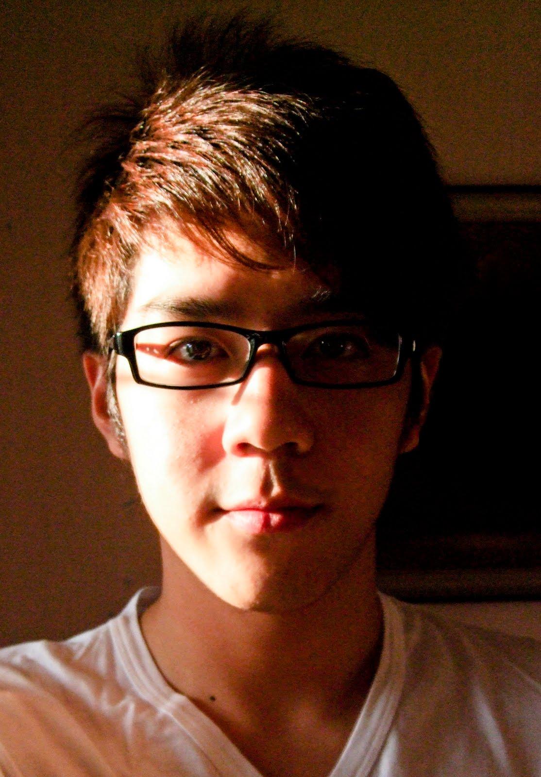 http://1.bp.blogspot.com/_4i5HngzV2GE/S7GjH49WiLI/AAAAAAAAA_o/2z-uDdvu3UE/s1600/Me+Shadow.jpg