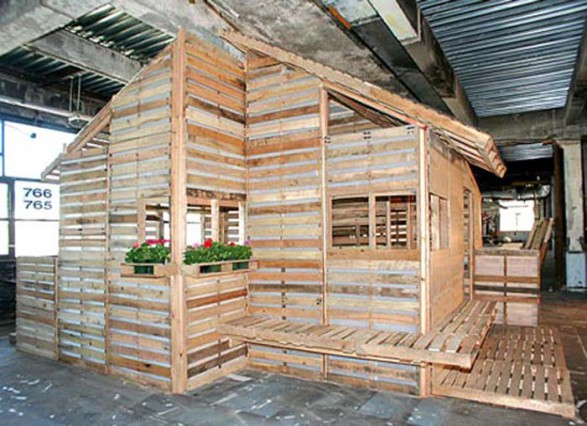 Eco architecture eco living pallet house by i beam for Alternative house designs