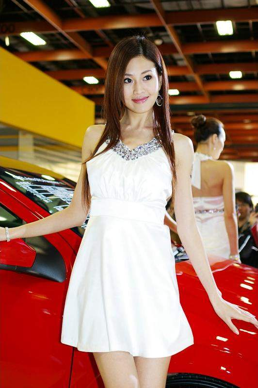 attract girls with alloy chrome wheels grils and tuning cars. Black Bedroom Furniture Sets. Home Design Ideas