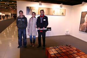 Susana, Simón y yo viendo Arte