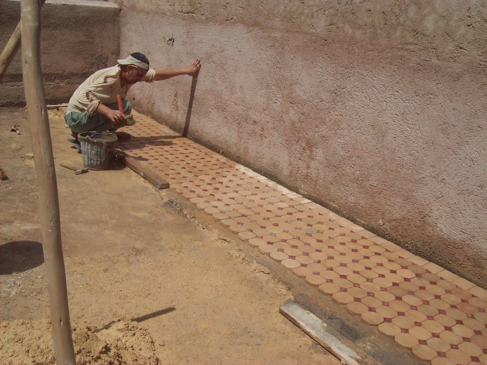 Riad les idrissides fes maroc les travaux continuent for Carrelage zellige sol