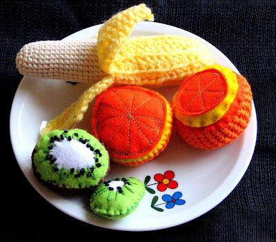 اشكال حلى وفواكه مصنوعه من الكروشيه   حلى كروشية   فنون الكروشية  اعمال حلى