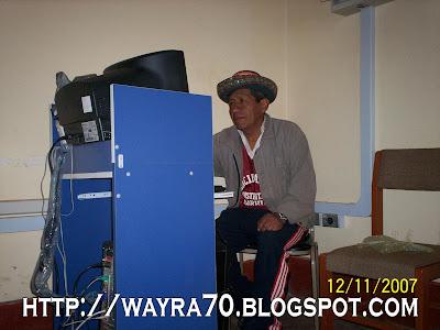 Sr. Moisés Quechua encargado de atender las cabinas de internet en Sarhua.