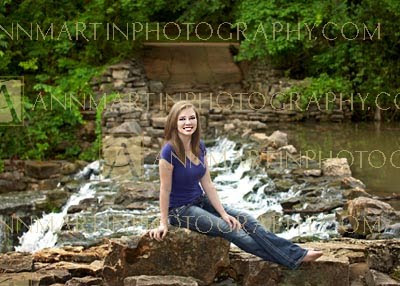 Plano West senior portraits photography outdoor beautiful poses examples ideas for senior girls