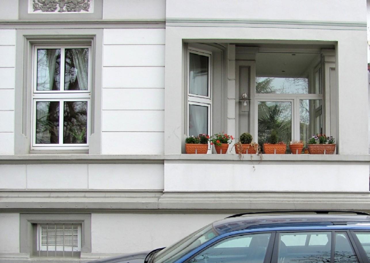 gartenarbeit ideen der balkon im zeitigen fr hjahr. Black Bedroom Furniture Sets. Home Design Ideas