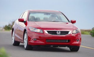 Honda Likes To Tout The Standard Safety Equipment In Its Cars, And The  Accord Fills That Bill. Front, Front Side, And Curtain Airbags Are Standard.