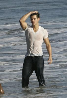 Forks Mirror: Mr. maglietta bagnata è...... TAYLOR!!!!