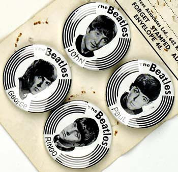 Sommaire incomplet - Page 7 Beatles+fan+club+badges,+1963-4