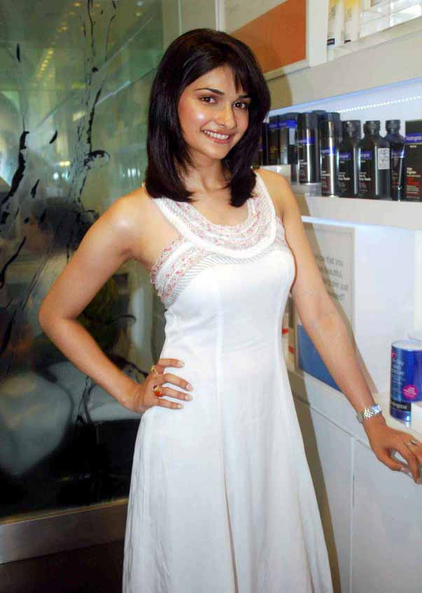 [Actress-Prachi-Desai-Stills-in-white-123bolly-com-22.jpg]