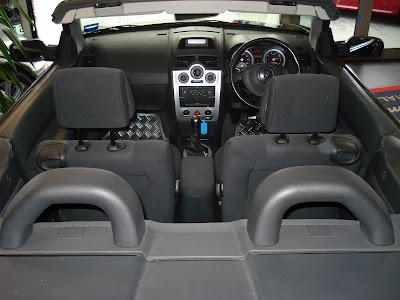 Renault Megane 2.0 VVT interior
