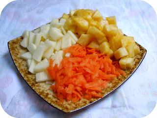 ananas, mele e carote